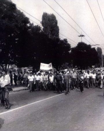 Шествие кировчан на городской митинг