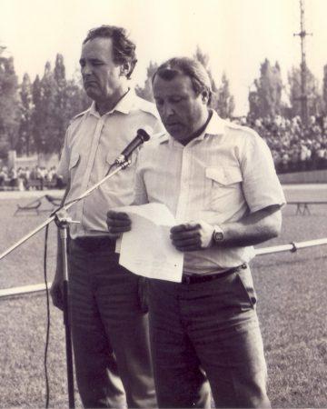 Митинг на стадионе (Штефан Б.М. и Парафило И.П.)